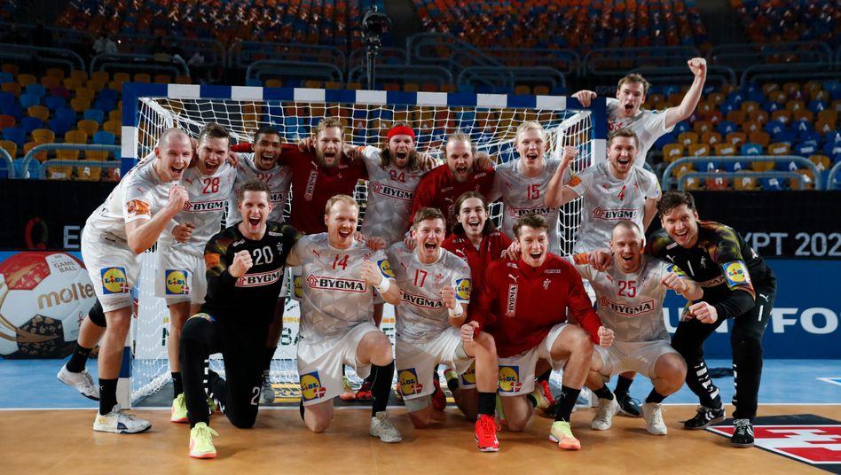 handball wm in agypten danemark gewinnt mit mikkel hansen gegen spanien der spiegel