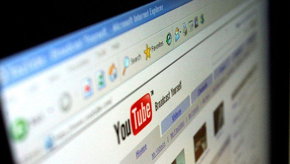 https www spiegel de netzwelt web urteil in italien google manager haften nicht fuer pruegel clip a 939776 html