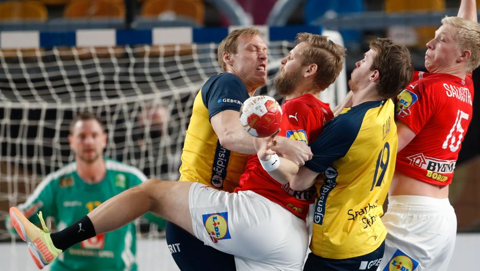 handball wm danemark gewinnt finale gegen schweden und verteidigt titel der spiegel