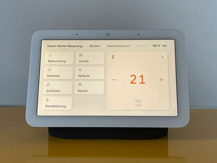 In addition to its function as a light alarm clock and sleep laboratory, the second generation of the Nest Hub is also a control center for smart home devices