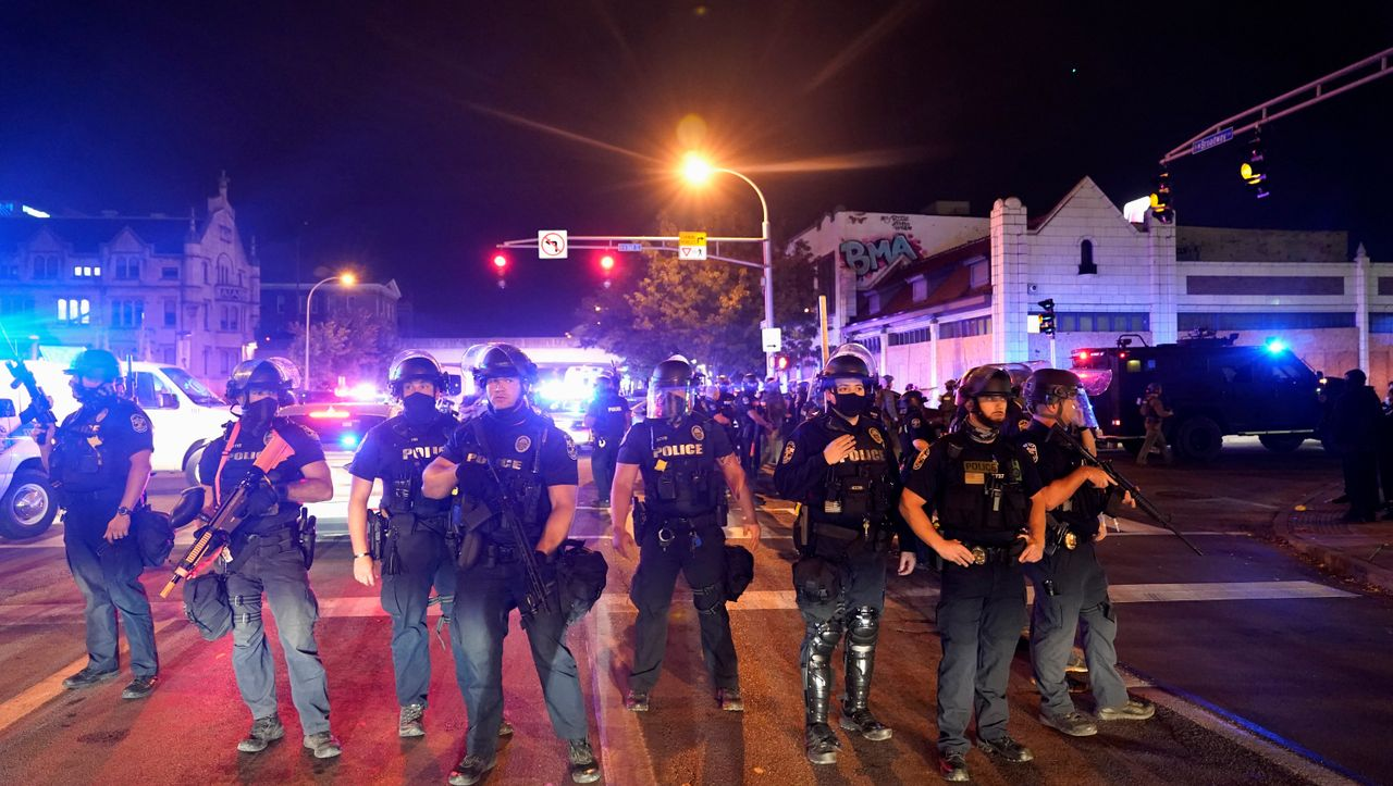 Breonna Taylor Case Riots Shake Louisville Policeman Shot Archyde