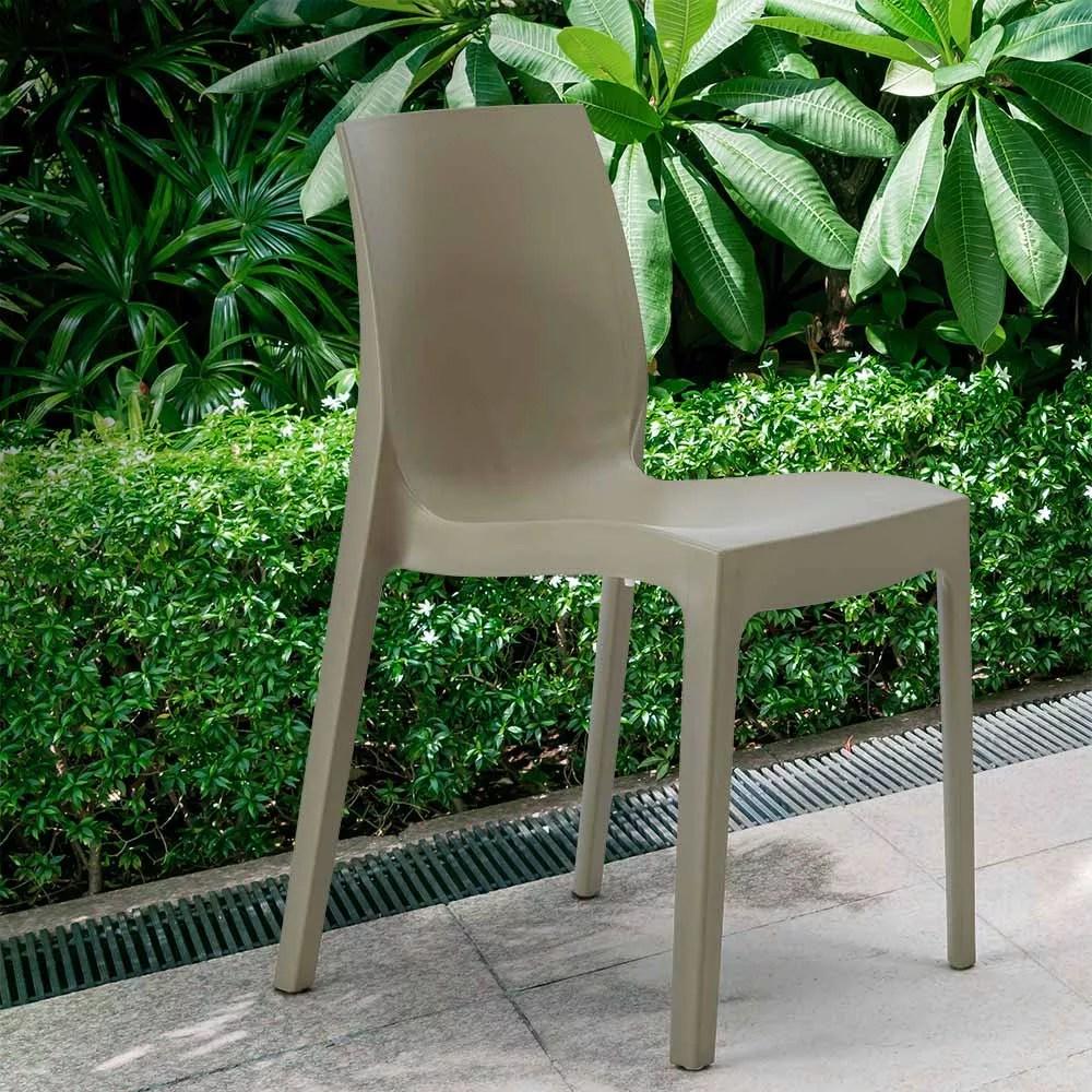 chaise en polypropylene empilable salle a manger cafe rome grand soleil