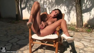 Majestic finger-dancing of naked Cindy Hope Preview Image