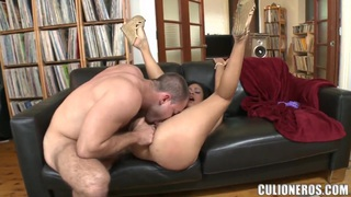 Face sitting and pussy licking is Jamie's hobby Preview Image