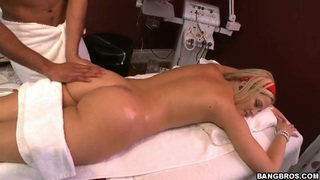 Hot ass blonde babe Alexis Texas does dirty massage Preview Image