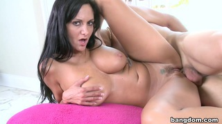 Ava Addams Bouncing 32DD's Preview Image