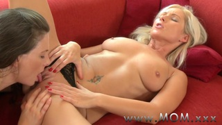 MOM Lesbian_lovers_eating pussy Preview Image