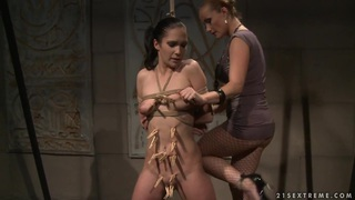 Katy Borman get her sexy naked body clipped Preview Image