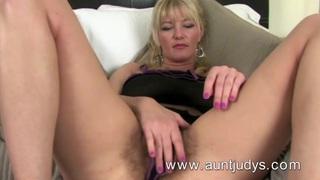 Full-bush big breasted MILF Vanessa masturbates Preview Image
