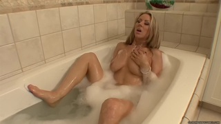 Carolyn Reese and Jessie Andrews - Bath Tub Loving Preview Image