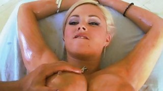 Babe gets a wet spunk fountain delight after sex Preview Image