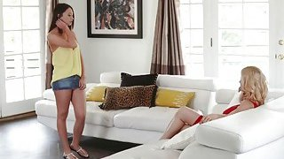 Squirting MILF_Alexis 3some_fuck with student Quinn Preview Image