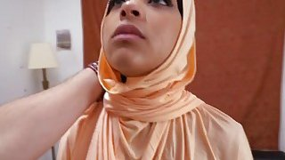 A delicious Arab babe gives an amazing blowjob before gets her pussy banged Preview Image