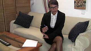 youramateurporn - Straight to the business Preview Image