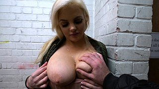 Proper UK lass sucking knob Preview Image