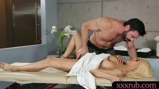 Lusty woman hammered_until_she squirts Preview Image