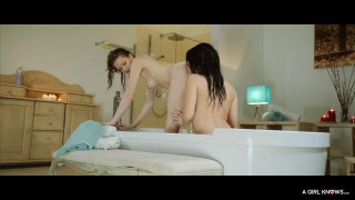 Yummy lesbian babes much each others cunts in_the_bathroom Preview Image