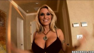 Luxurious blonde strumpet Holly Halston gives hot titjob Preview Image