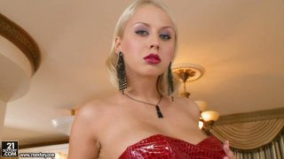 Luxurious_blonde_babe_Mandi_Dee_squeezes_her_big_breasts Preview Image