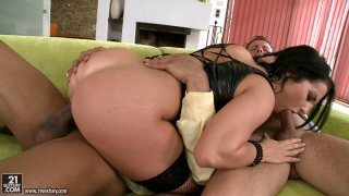 Threesome is what perverted nympho David Perry wanna have Preview Image