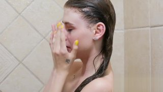 Teenie Teen, 18, takes sexy shower in 4K Preview Image