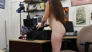 Sexy babe pawned her equipments and gets fucked by pawn man Preview Image
