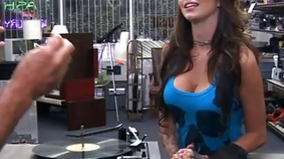 Woman with big tits gets her pussy banged by pawn guy Preview Image