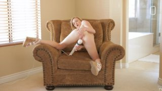 Blonde coed Skylar Green shows off how she gets herself off with a vibrating toy and squirts her... Preview Image