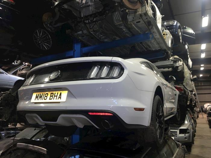 This 4951 cc engine size produces 421 horsepower with 530 nm torque. Ford Usa Mustang Vii Fastback 5 0 Gt Ti Vct V8 32v Salvage Vehicle 2015 White