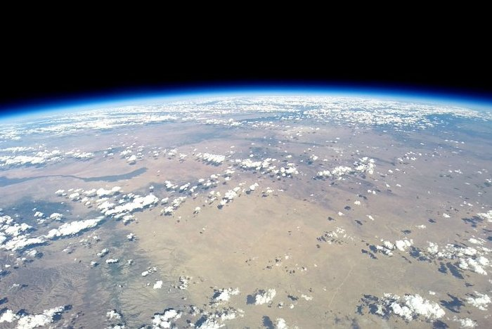 Curvature-of-Earth-universe-from-120000-ft.-WV-Voyagers-will-be-afforded-a-spectacular-view-of-the-Earth-suspended-against-space.-Credit-World-View