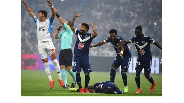 Samuel Kalu collapses