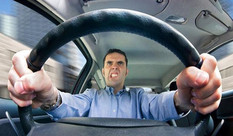 Los españoles son de los conductores menos responsables