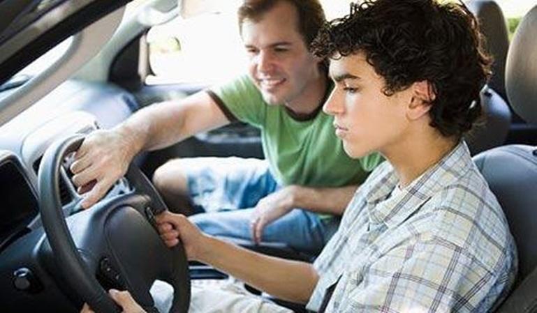 Los hijos mayores conducen peor