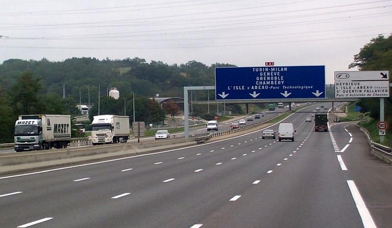Francia reduce la velocidad