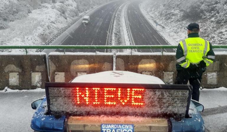 Los colores que advierten del tipo de nevada en carretera
