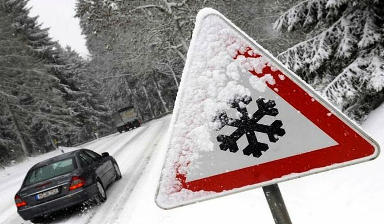 Utensilios que debemos llevar en el coche en invierno
