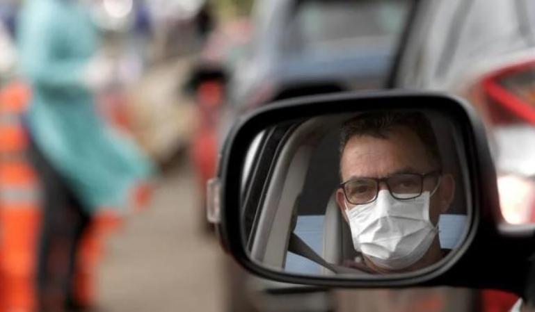 Multa por la mala colocación de la mascarilla dentro del vehículo