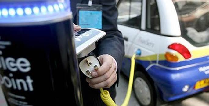 El punto de recarga eléctrica de vehículos más rentable con multas