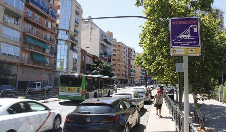 Madrid instala seis nuevos fotorrojos para multar
