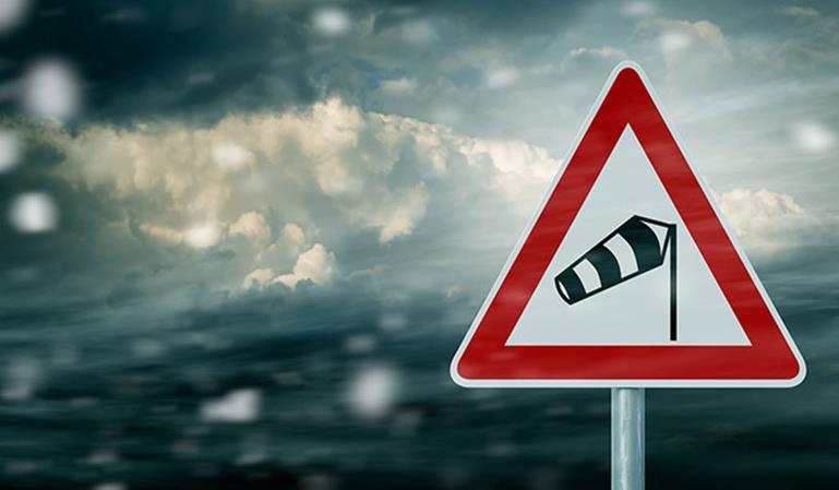 Riesgos fatales de la conducción con viento