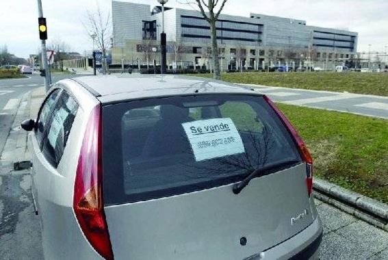 DGT deja a un lado la prohibición de venta callejera de vehículos
