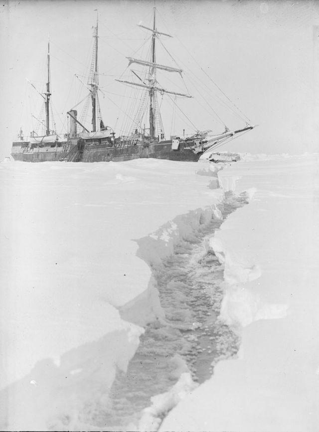 L'équipage caresse l'espoir qu'avec le dégel, ils pourront reprendre la mer.
