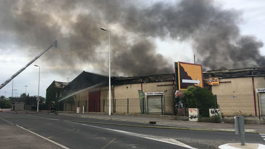 gros incendie au polygone nord a perpignan