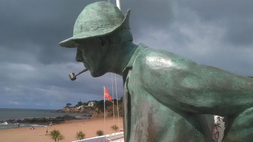la statue de monsieur hulot