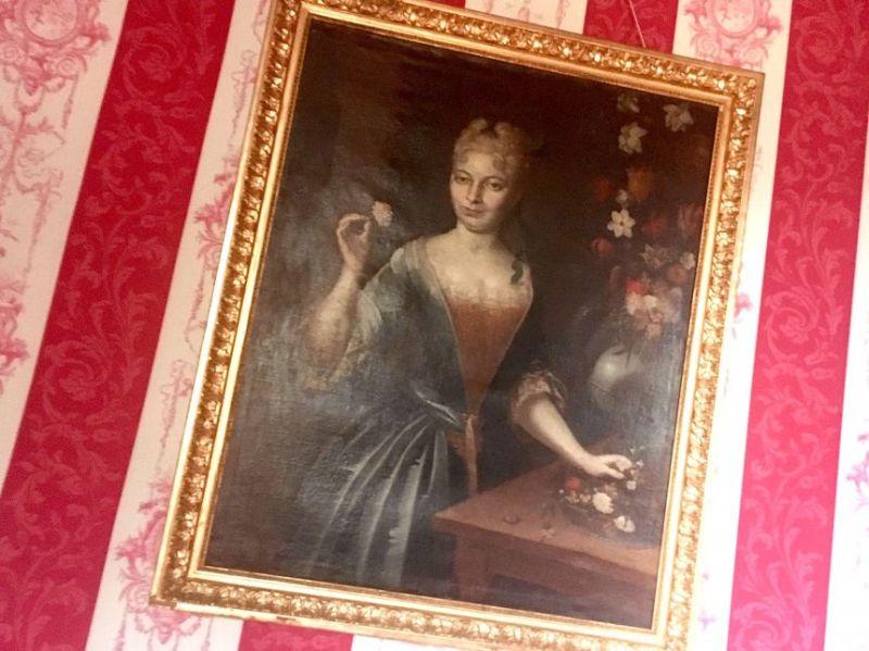 Le portrait d'Éléonore de Bouillé.