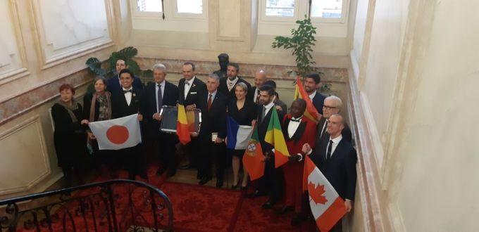 Huit Finalistes et 7 nationalités ont participé à ce championnat du monde des maîtres d'hôtel au lycée Vauban d'Auxerre - Radio France