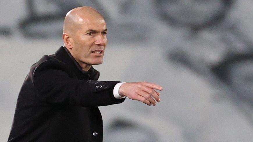 Après Ronaldinho, la légende Zinédine Zidane encourage le club de foot  dijonnais du Grésilles FC