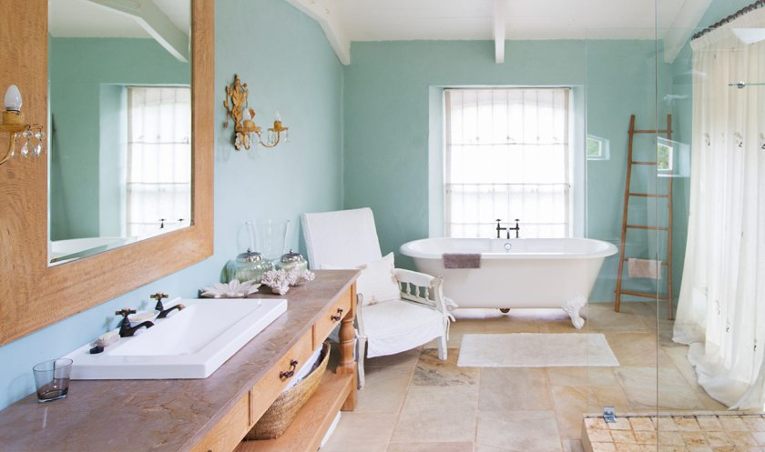 How to Stage a House That Sells: Transform Your Bathroom Into a Spa