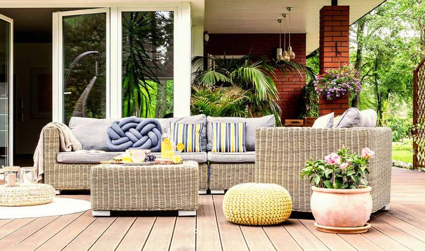 How to Stage a House That Sells: How to Stage Outdoor Areas