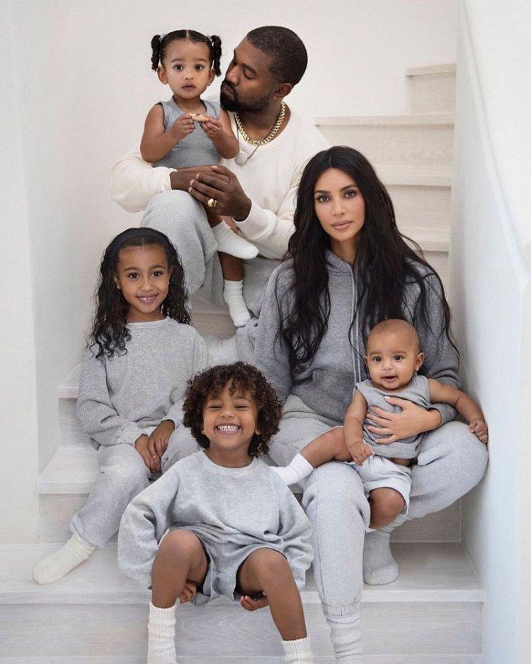 Kim Kardashian shares Christmas card features Kanye West ...